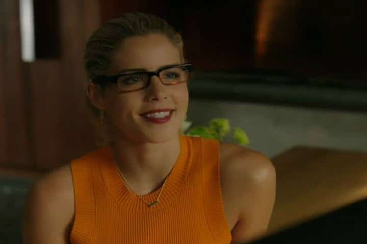 Arrow Oliver and Felicity - Olicity Reunites! Romantic Moment of the Week | The Silver Petticoat Review
