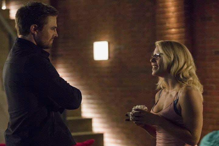Romantic Moment of the Week: Arrow's Oliver and Felicity Reunite! | The Silver Petticoat Review