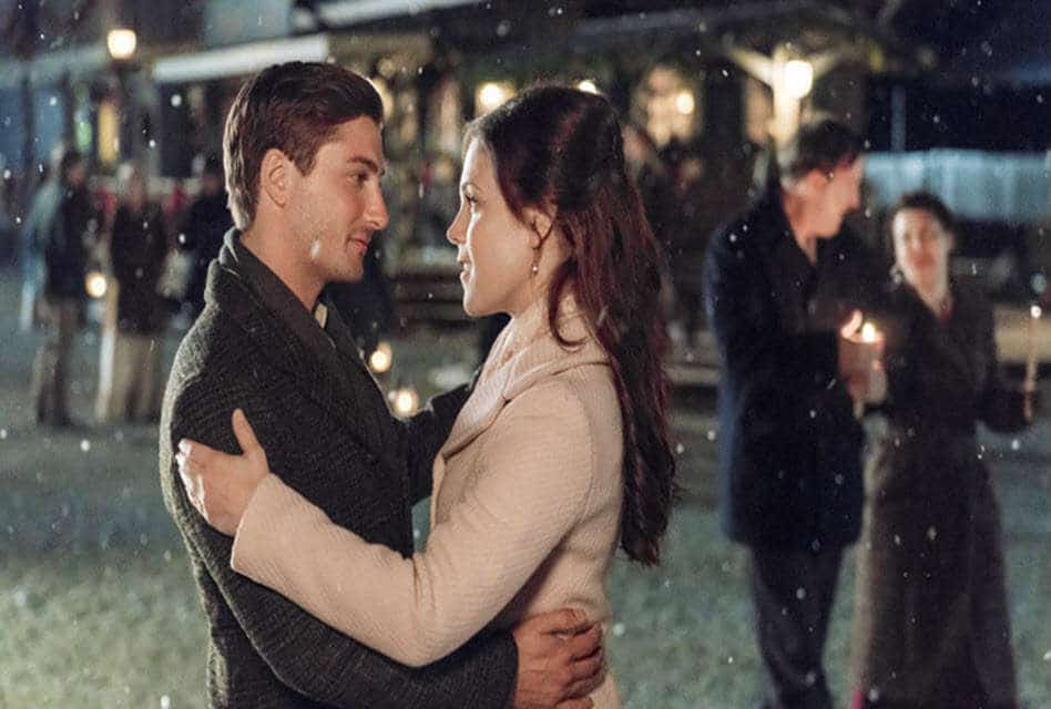 When Calls The Heart Christmas.Romantic Moment Of The Week When Calls The Heart Christmas