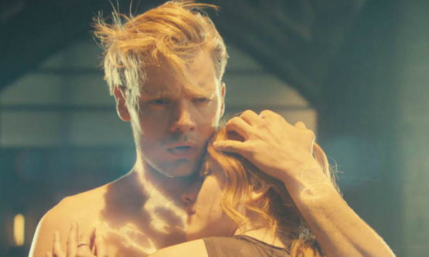 Romantic Moment of the Week: Jace and Clary Share a Glowing Embrace in Shadowhunters: The Mortal Instruments