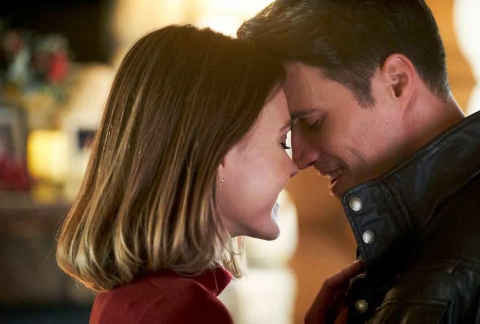 Hallmark Christmas 2018 Part 2: Under the Mistletoe Romance!
