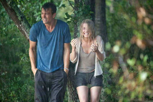 April Showers: 30 of the Most Romantic Moments in the Rain - Safe Haven
