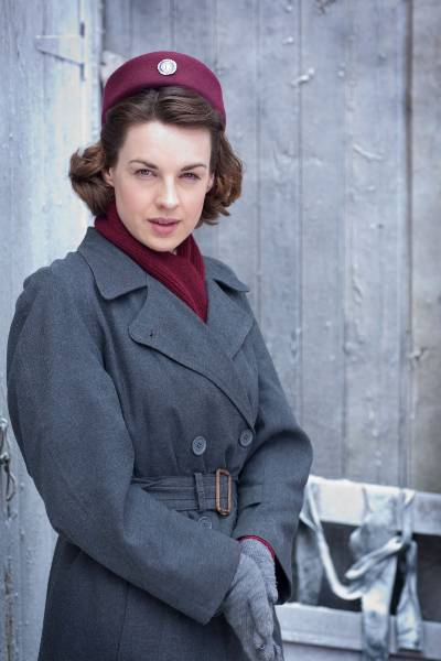 Jessica Raine in Call the Midwife; period dramas on Netflix
