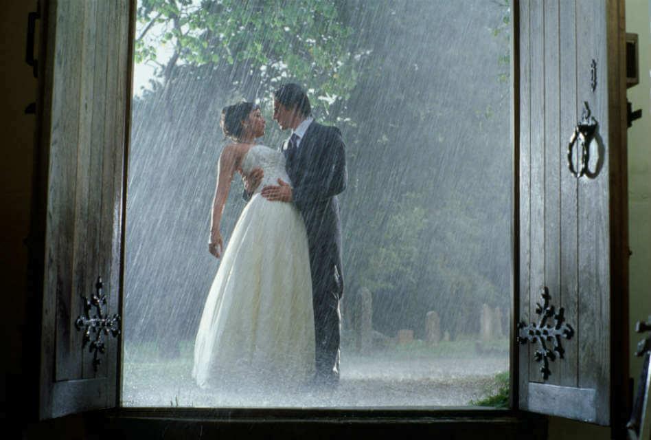Bride and Prejudice - Romantic Moments in the Rain