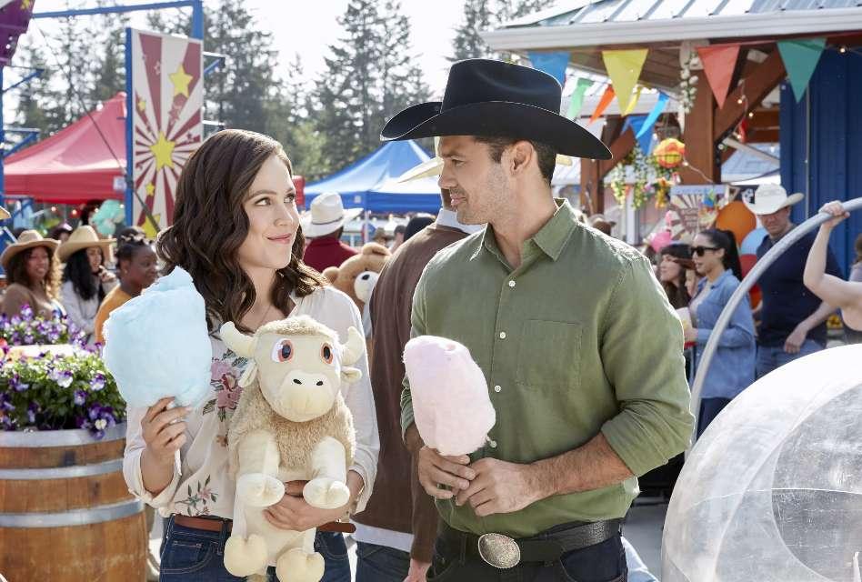 Erin Krakow stars in Hallmark's A Summer Romance.