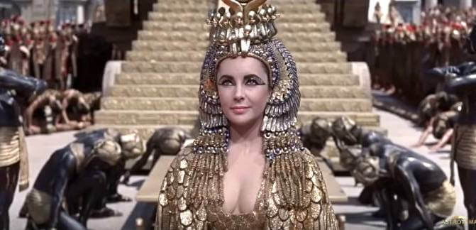 Photo of Elizabeth Taylor in the Cleopatra movie.