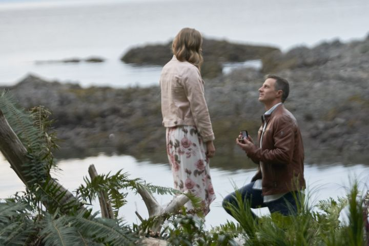 chesapeake shores romantic moment; kevin and sarah proposal