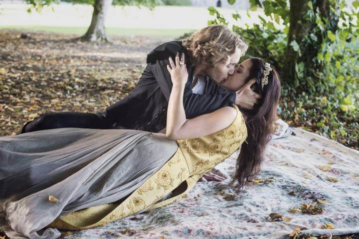 Reign; Mary and Francis kiss