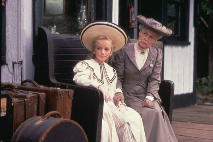 Sarah Polley in Road to Avonlea