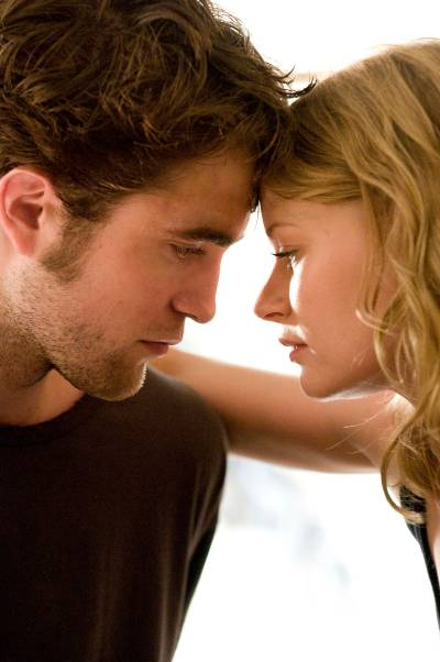 Remember Me image with Robert Pattinson and Emilie de Ravin