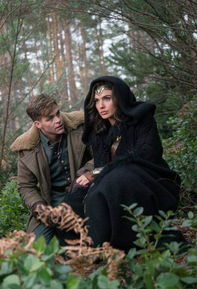 Wonder Woman 2017 photo with Gal Gadot and Chris Pine