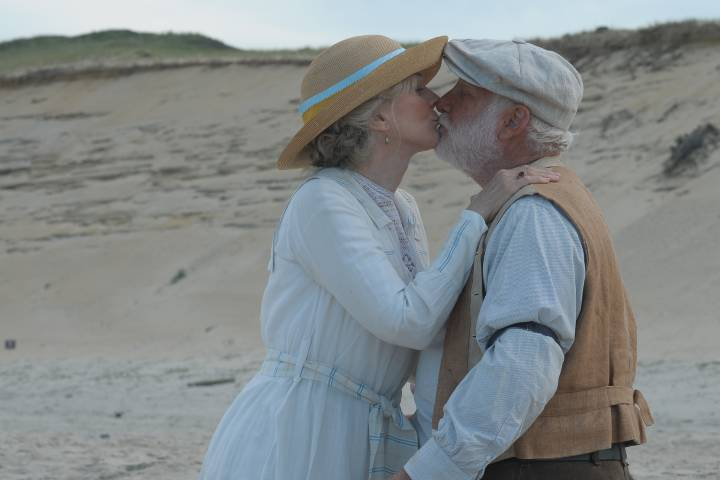 A kiss from The Lightkeepers