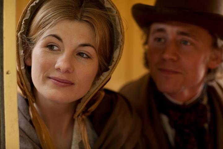 Jodie Whittaker and Tom Hiddleston in Cranford