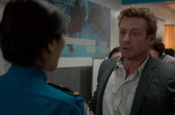 Patrick  runs through the airport in The Mentalist