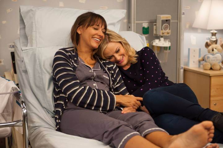 parks and recreation ann and leslie hugging; image for list celebrating Galentine's Day