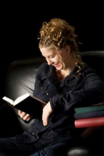 Picture of Author Julie Wright of A Captain for Caroline Gray