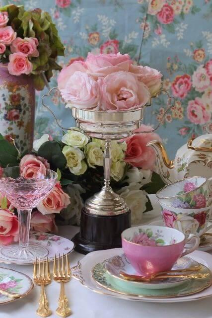Teacups for romantic living