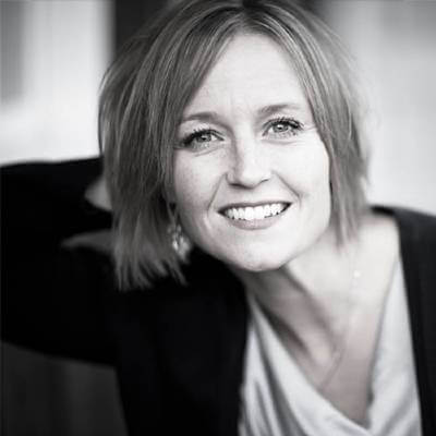 Rebecca Anderson aka Becca Wilhite author photo in black and white