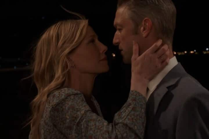 Rollins and Carisi kiss