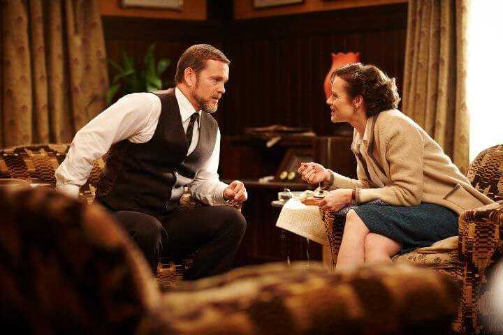 Craig McLachlan (Dr. Lucien Blake) and Nadine Garner (Jean Beazley) in Doctor Blake Mysteries
