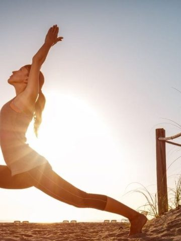 free online workouts - romantic living image of women doing yoga